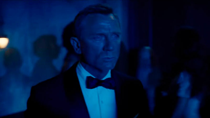 James Bond se rinde ante el coronavirus