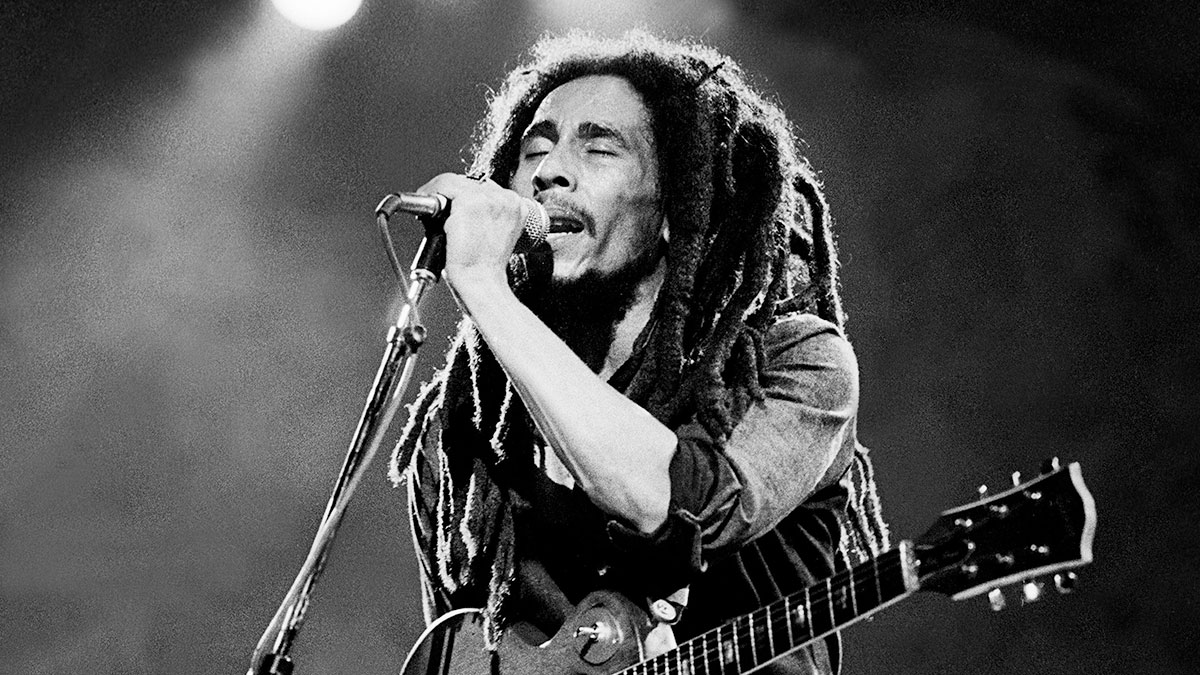 Bob Marley Women Wising 75 Years A Legend Redemption de Easy Skanking And The Beautiful Game Songs Of Freedom