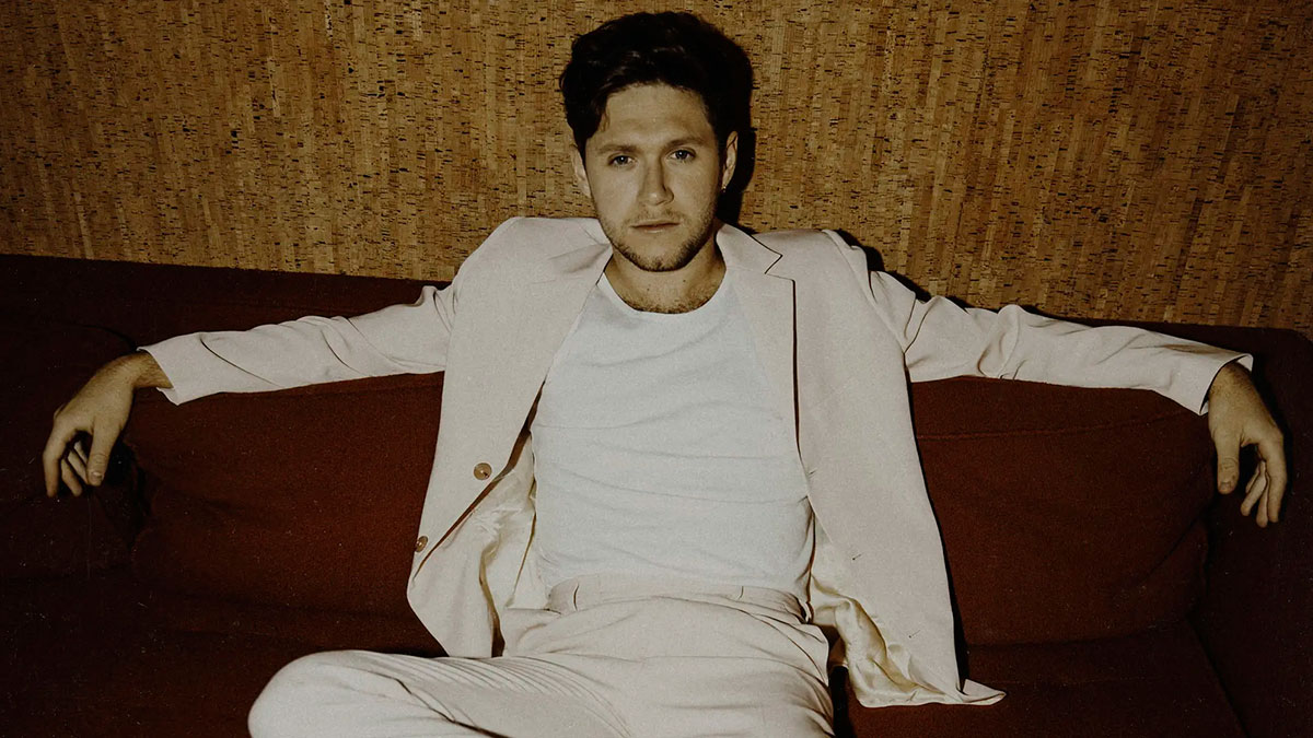Niall Horan comparte el video de «Black And White»